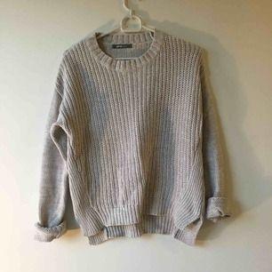 Beige stickad tröja från Gina Tricot :) hämtas eller skickas mot frakt