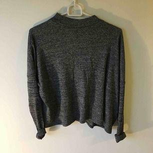 Polotröja från H&M använd en gång :) hämtas eller skickas mot frakt