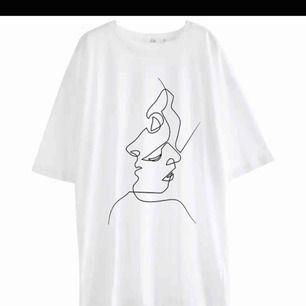 two-faced T-shirt, väldigt efterfrågad!