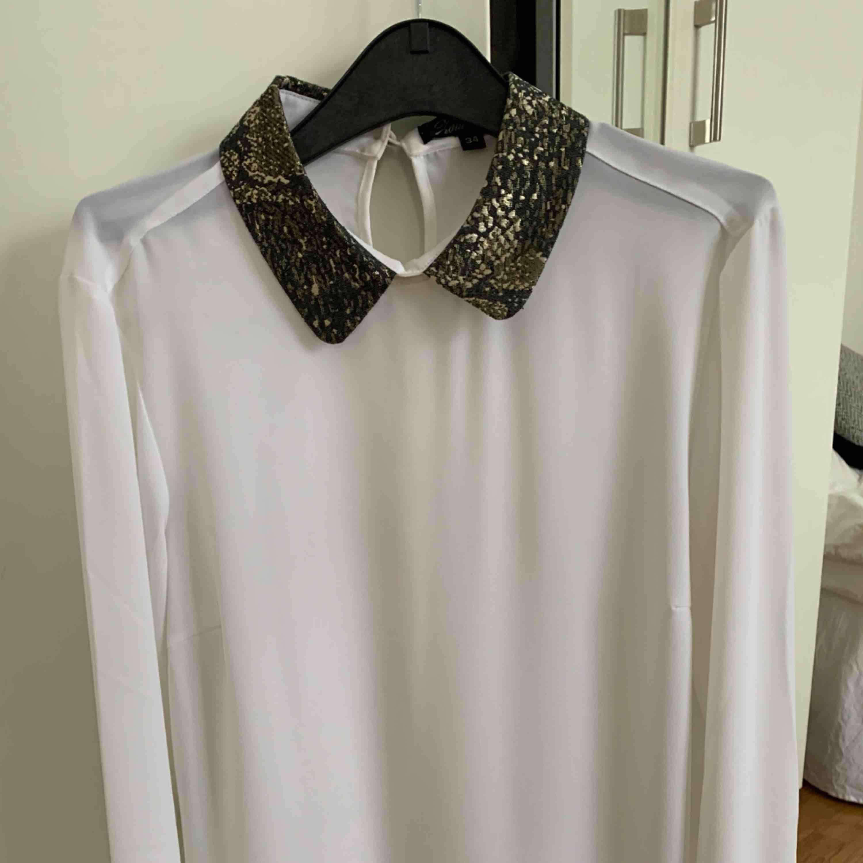 Skjorta Använd 1 gång. Storlek 34/xs. Du står för frakt . Skjortor.
