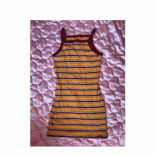 Cute Monki klänning storlek M. Swisha 130:- (frakt ingår) så skickar jag på post asap. DMa för telefonnr å din adress <3 Xoxo