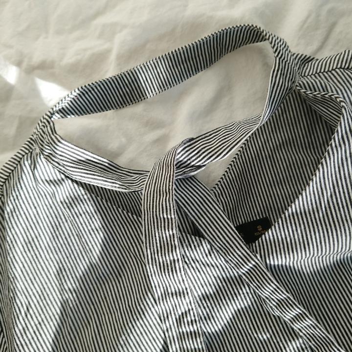 Jättefin A-linjeformad klänning med 3/4 ärm, perfekt till vår/sommar. Skulle behöva en REJÄL strykning men annars i utmärkt skick! Längd 74cm Arm 40cm. Klänningar.