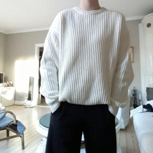 Superskön tröja från Zara. Passar S/M