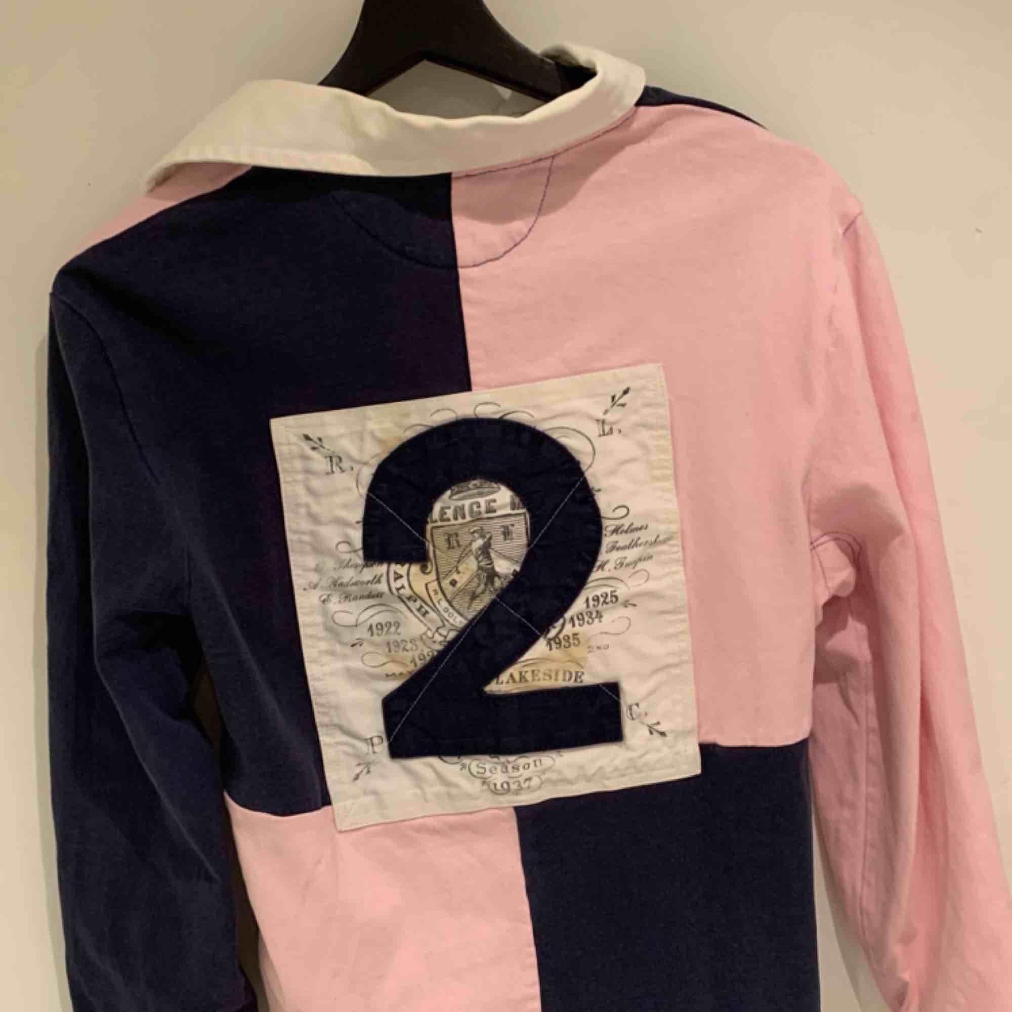 Vintage tröja från Ralph Lauren , otroligt fint skick. Skjortor.