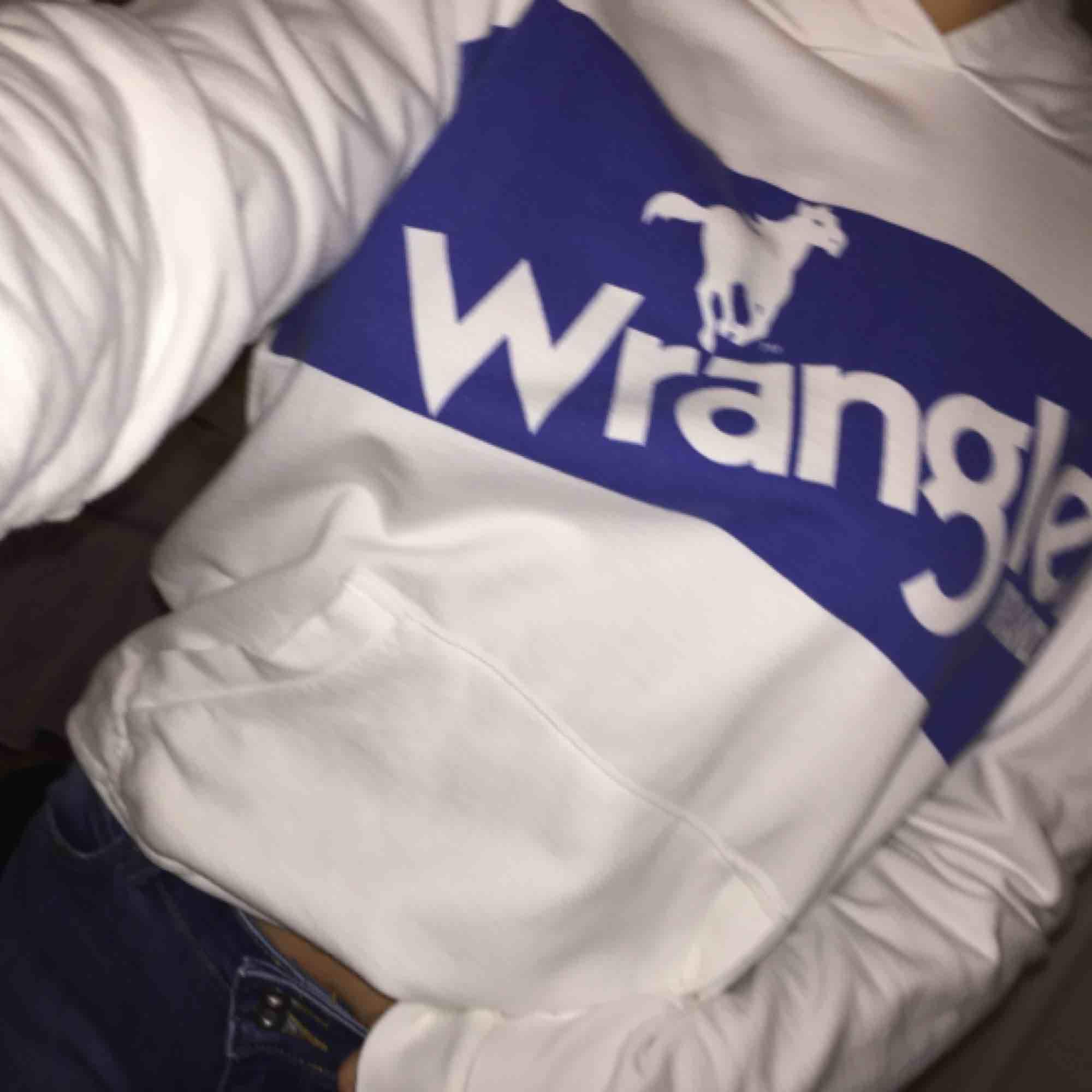 Wrangler hoodie, S, fint skick!. Huvtröjor & Träningströjor.