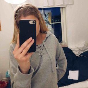 Grå tröja från Bikbok, knappt använd.