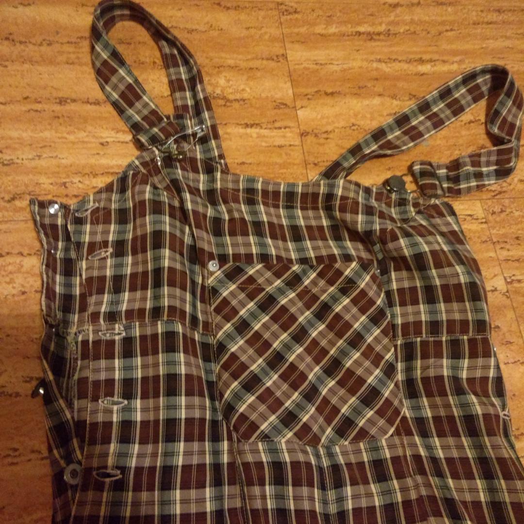 Magiska😍 vintage hängselbyxor i rutigt. Superfina men för små för mig, passar xs till liten medium. . Huvtröjor & Träningströjor.
