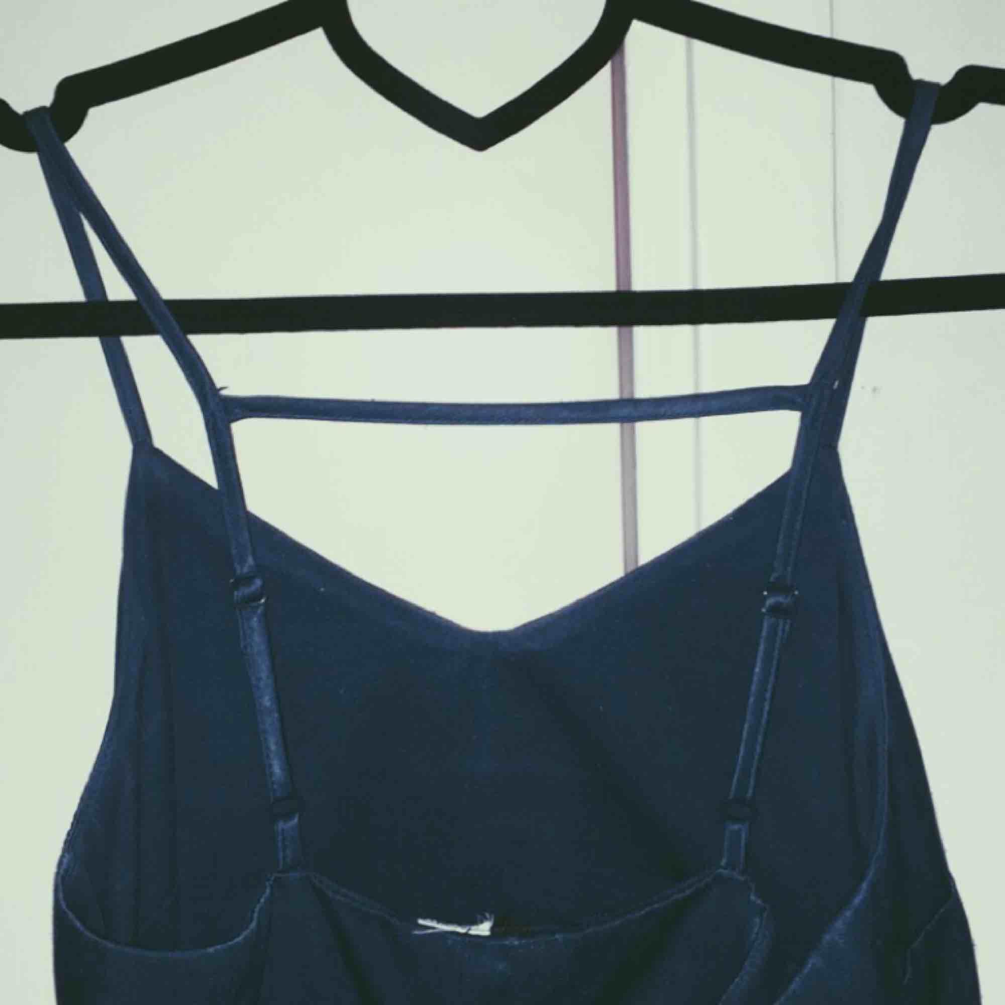 Klänning från H&M i strl 32. 40 kr + frakt Betalas helst via swish. Klänningar.