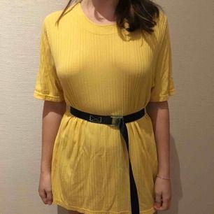 Tshirt från Lindon i storlek L, fast jag använder den mest som en klänning.  Kan mötas i göteborg Köparen står för eventuell frakt