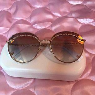 Helt oanvända Marc Jacobs solglasögon (modell MARC253S) Nypris ca 1800:- (Nordström)  DMa för köp! ⭐️✨ Xoxo