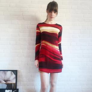 Jättefin klänning. Aldrig använd. Kan mötas upp i Srockholm, annars 150kr+frakt.