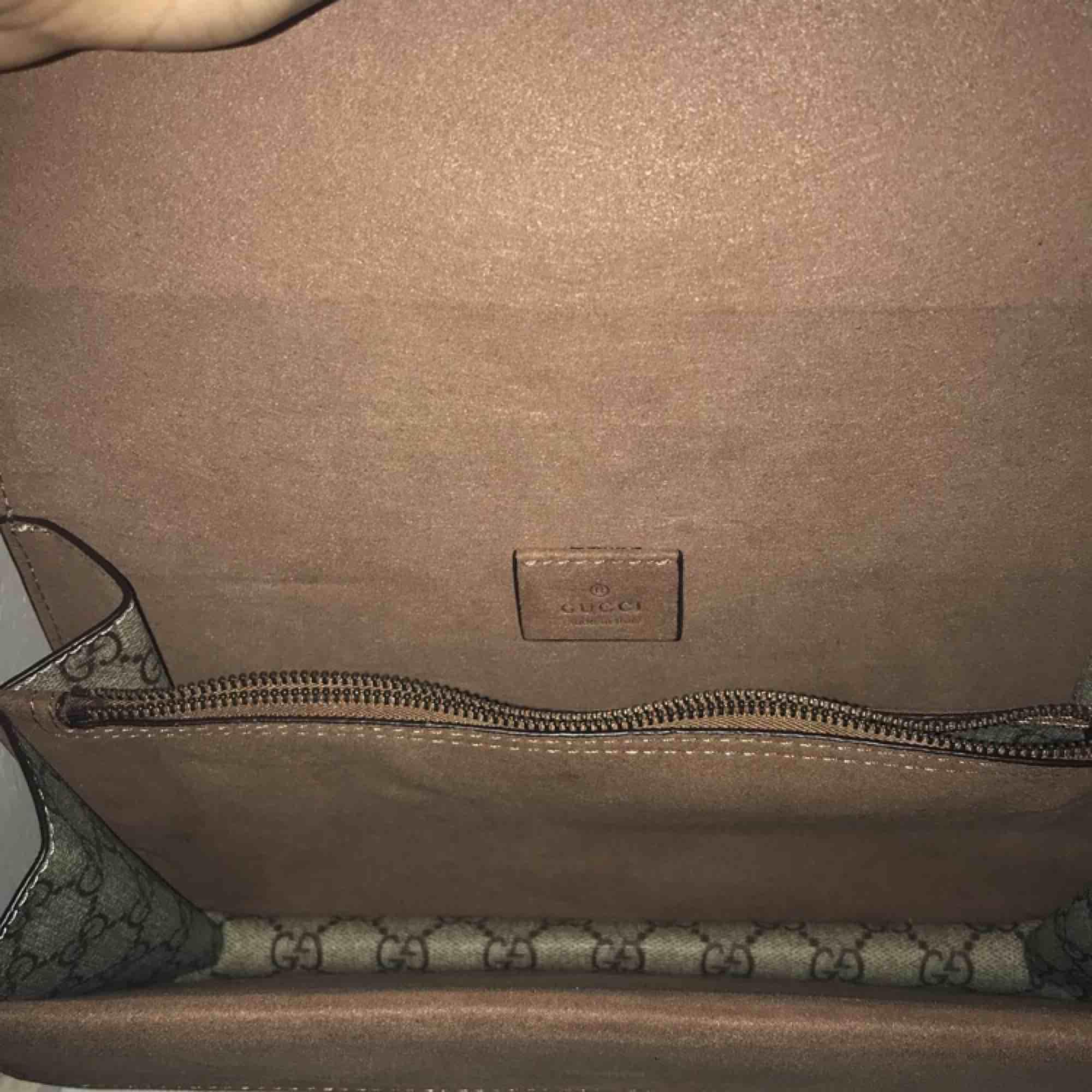 Intresse kollar nu min AA-kopia av Gucci väskan som är väldigt populär. 🦋🦋(Intresse kollar) 🦋🦋. Väskor.