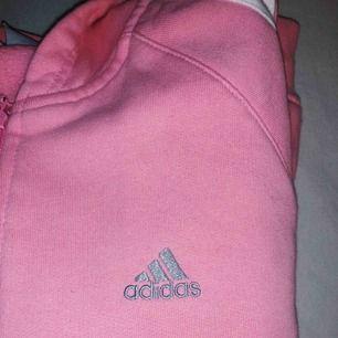 Adidas Kofta ( i rosa som på första bilden) Frakt ingår alltid