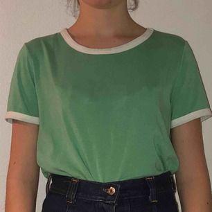 Grön tröja från Bik Bok