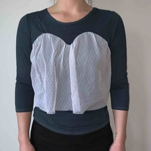 Diana Orving tröja med spätts vid brösten