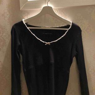 Oss Molly tröja storlek 1 passar mig som är S men passar XS och M också, köparen står för frakt!