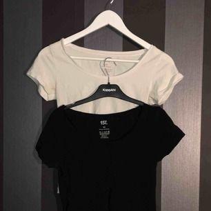 Två basic tshirts ifrån lager 157. Båda för 50kr tillsammans + 60kr frakt.