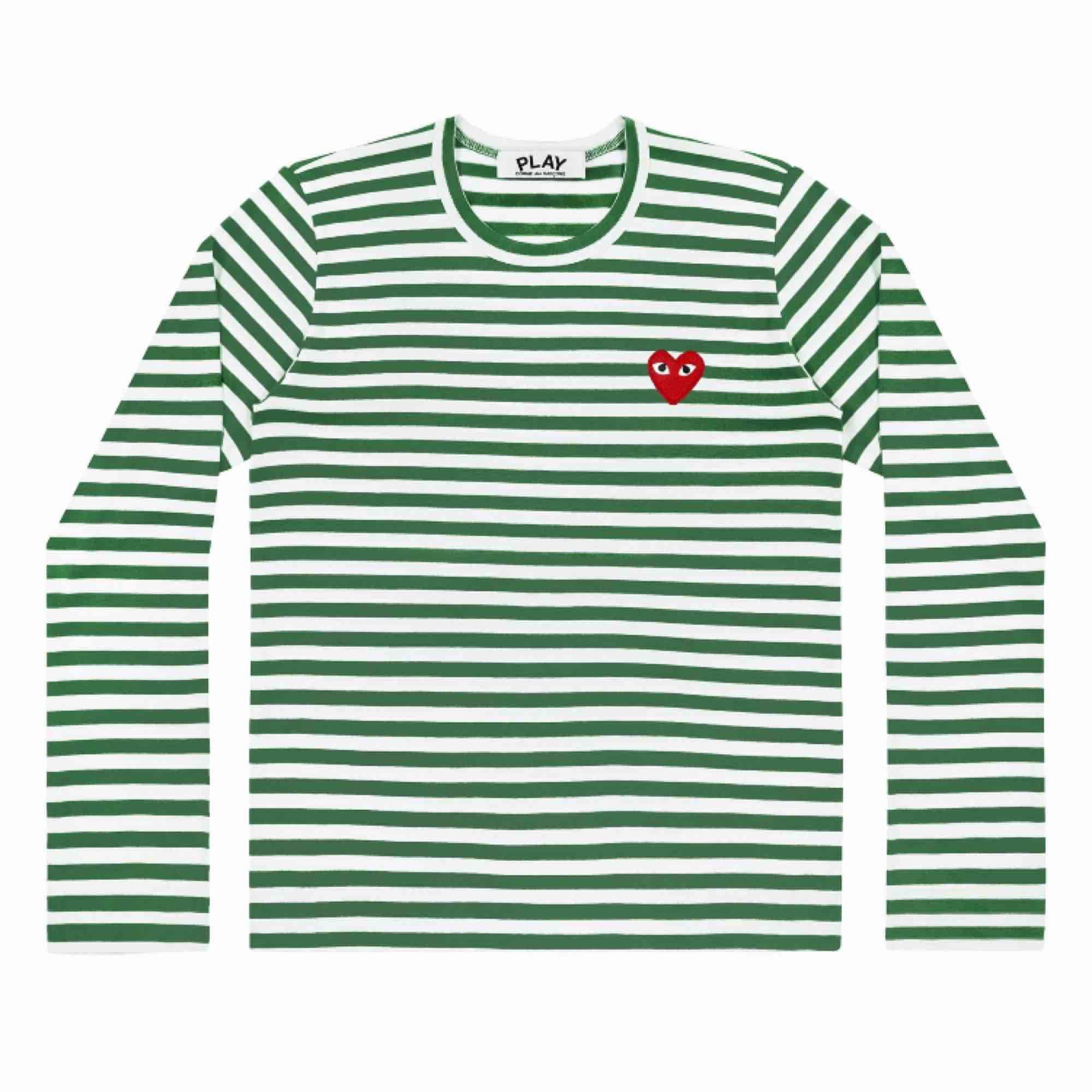 Tänkte sälja min jätte fina och sköna COMME des GARCONS tröja. DEN ÄR ÄKTA! Köpt på DSML. Storlek M men skulle säga att den passar allt från M nedåt men att den bäst passar S och kan vara lite per sized på XS (vilken är snyggt).Den är i 10/10 skick. ❤️👀. Tröjor & Koftor.