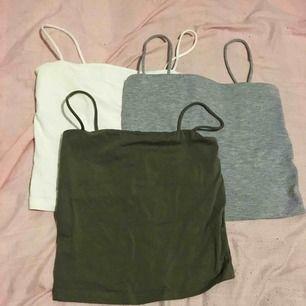 Tre stycken linnen från Gina tricot, det gröna och grå aldrig använt, vita SÅLD. 70kr st, kan fraktas mot fraktkostnad.