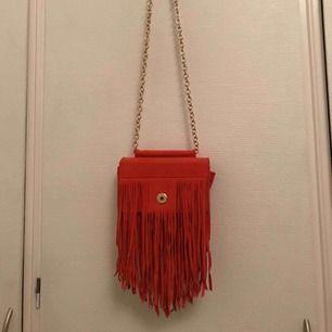 Snygg röd väska från & Other Stories, aldrig använt den.