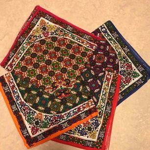 Bandana, scarf, scarves 20:- inkl frakt. 4 färger, 50*50cm. Nya och skickas snabbt.