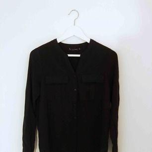Svart skjorta/blus