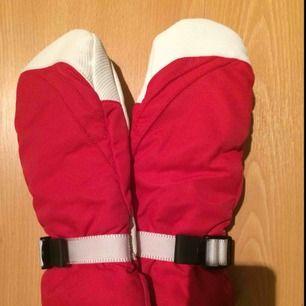 Oanvända ,everest ski handskar.