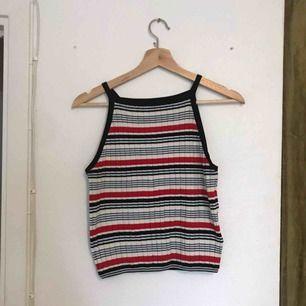 Ribbat linne från HM, använt typ 2 ggr