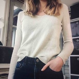 Jättefin glittrig tröja som passar XS. Nyskick! Perfekt till partytilfällen!