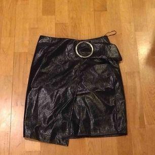 Helt oanvänd kjol jag köpte i Amsterdam, märket heter Edited.