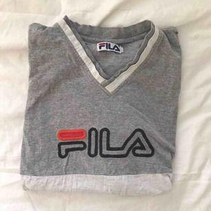 Vintage FILA T-shirt. Storlek: S