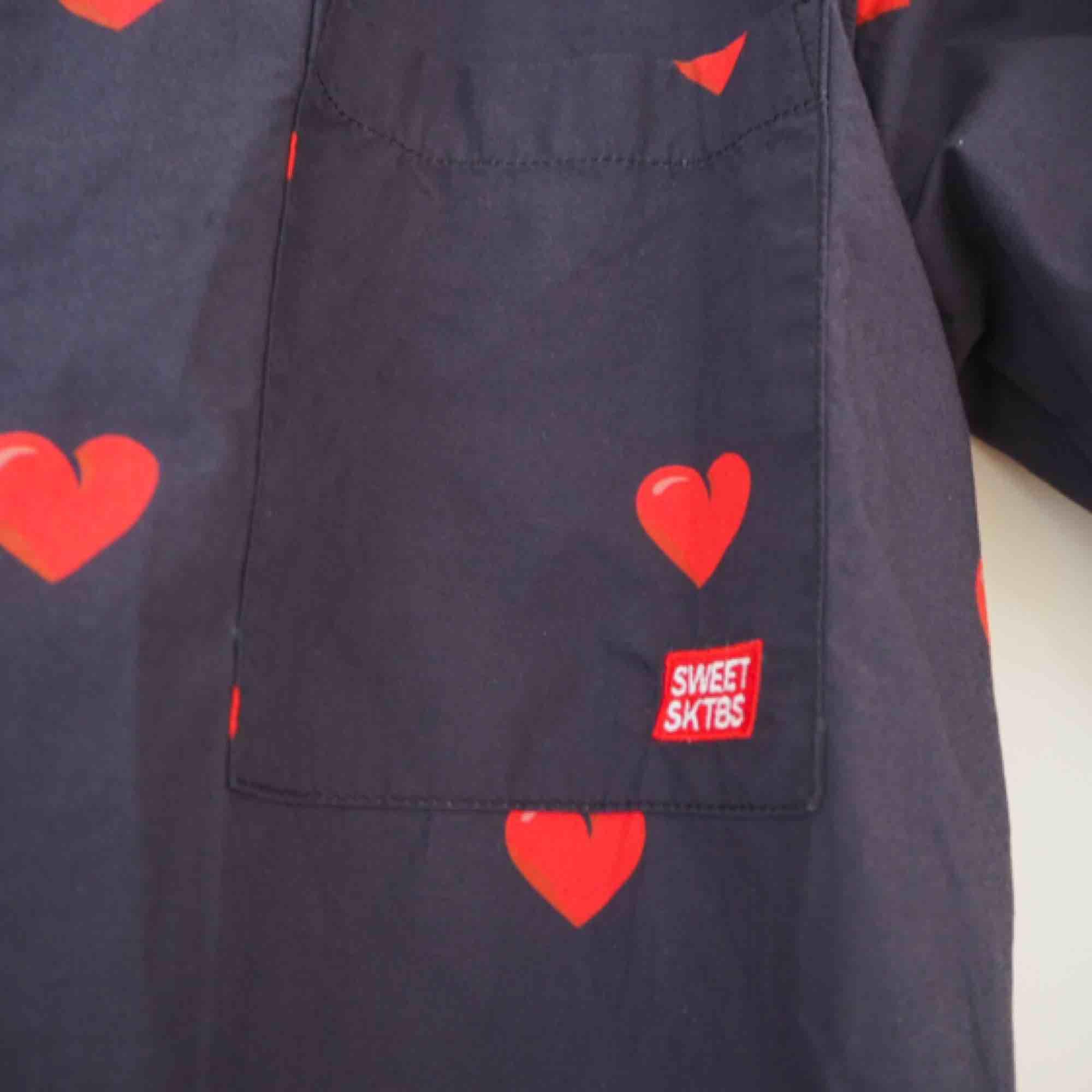 ❤️OANVÄND❤️ Skitgullig skjorta från SweetSktbs Köp köp köp<3 . Skjortor.
