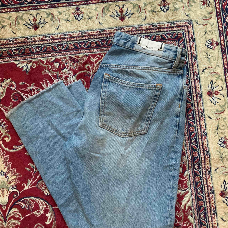 Jeans från märket karve. Säljer pga att de blivit för stora. 🌊. Jeans & Byxor.