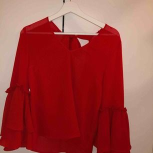 Röda super fin tröja från hm knappt använd