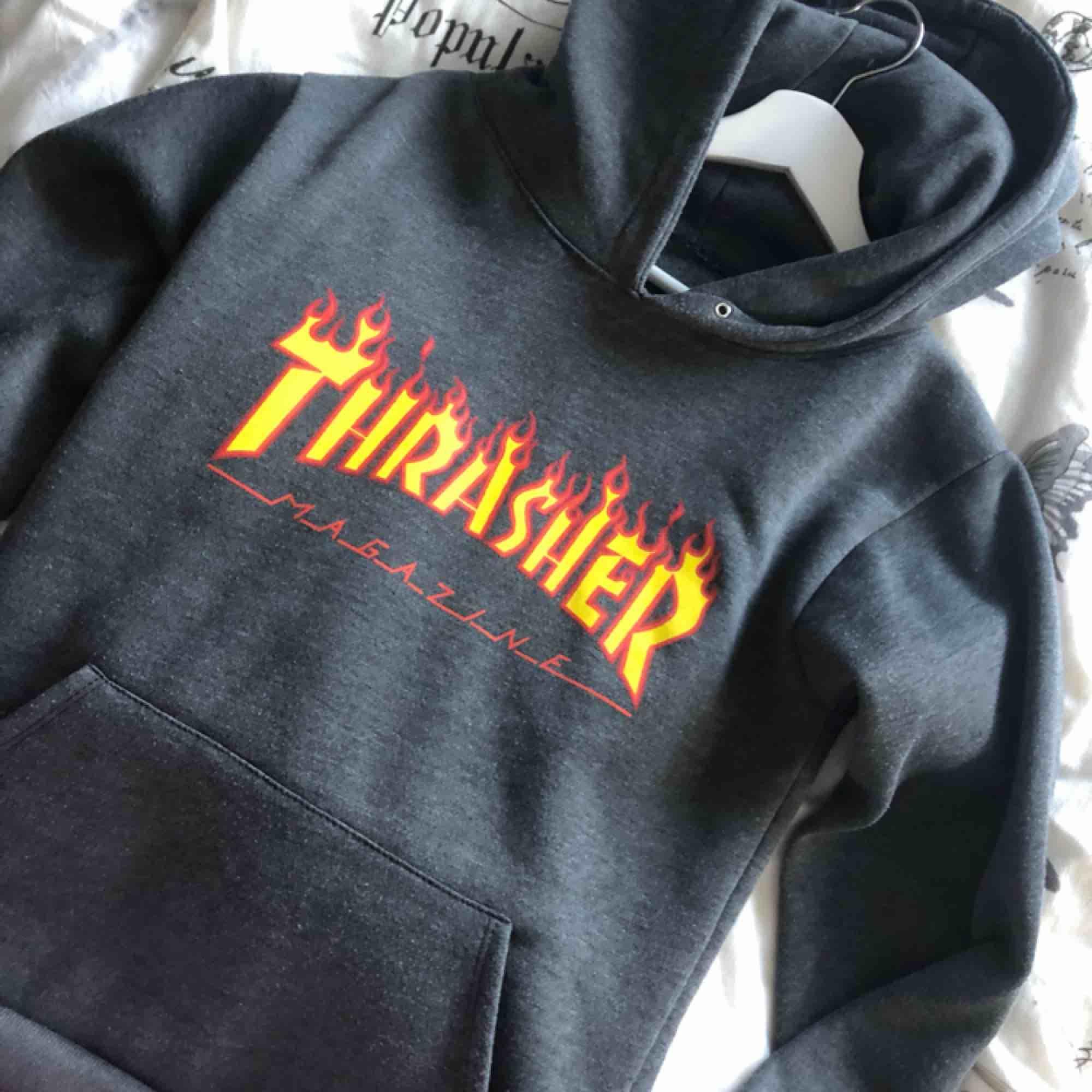 Trasher hoodie (intw äkta). Tröjor & Koftor.