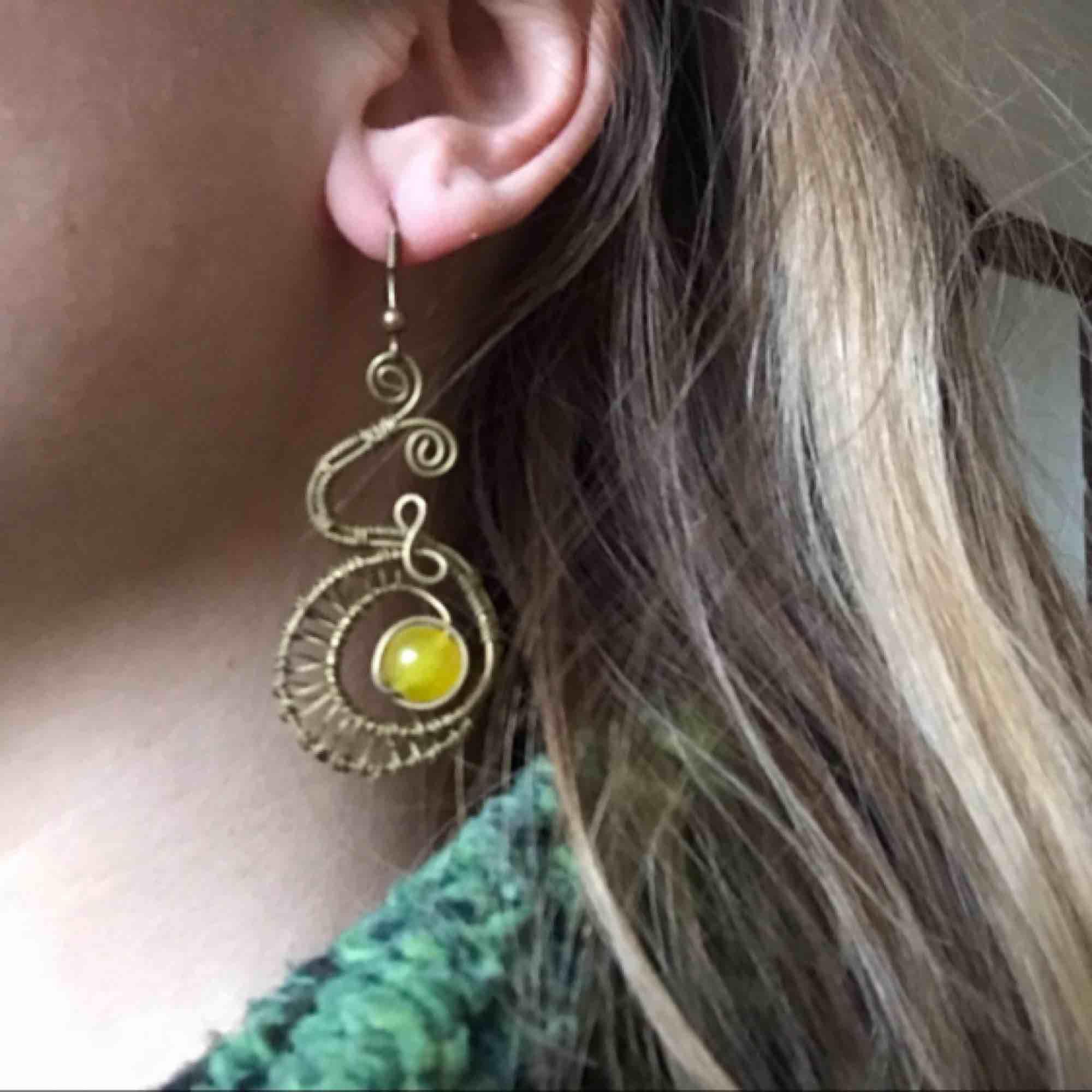 Handgjorda örhängen, använder för sällan tyvärr . Accessoarer.