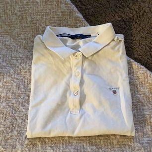 Gant t-shirt, använd ett par gånger,  men fint skick.