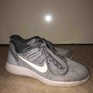 Säljer mina Nike! Inte tvättade men gör det innan utskick 😃