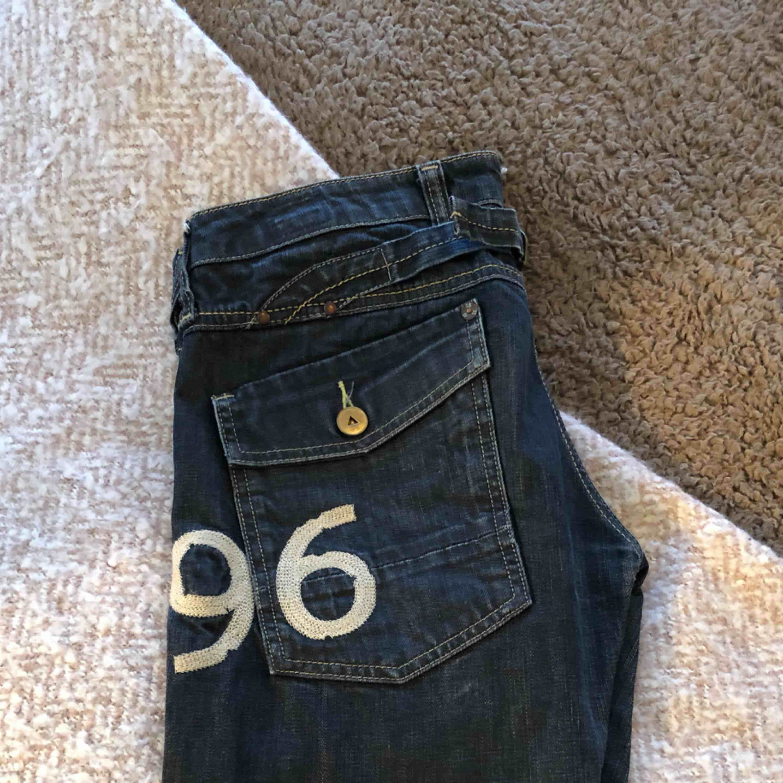 G-star jeans. Gammal goding från förr. Dock bara legat i garderoben. . Jeans & Byxor.