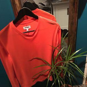 Skön o snygg tröja från Weekday, jättefint skick!! 💞