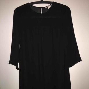 Helt ny svart klänning från H&M. Kan frakta.