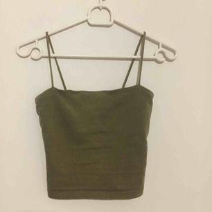 Fint linne från ginatricot, inte jättebra bilder, kontakta för bättre, säljer pga att jag inte använder det längre. Frakt 40 kr