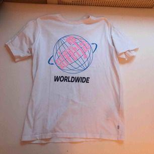T-shirt från Levis Silver stab kollektion. Frakt ingår ej i priset. Kan mötas upp i Stockholm