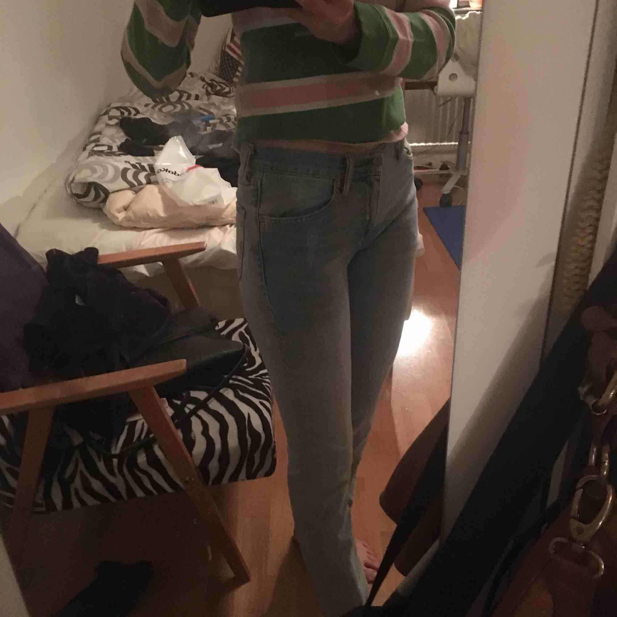LEVIS jeans Stuprörsmodell (motsatsen t Bootcut) ljusa, asfina  . Jeans & Byxor.