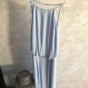 Jättefin klänning från märket Samsøe samsøe i storlek XS. Använd 2 gånger. Nypris 999 kr