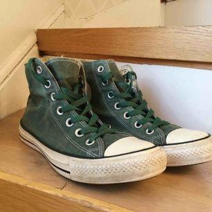 """""""Smutsgröna"""" Converse. Begagnat skick. 50kr+frakt"""
