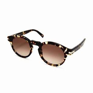 Solglasögon från Marc Jacobs, knappt använda- superfina! Skickas mot porto 63:-
