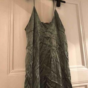 Silke-klänning från H&M trend
