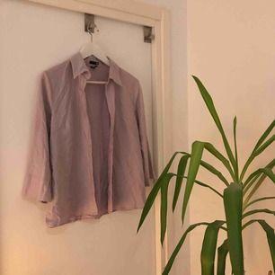 Skjorta från HM i fin lila färg!