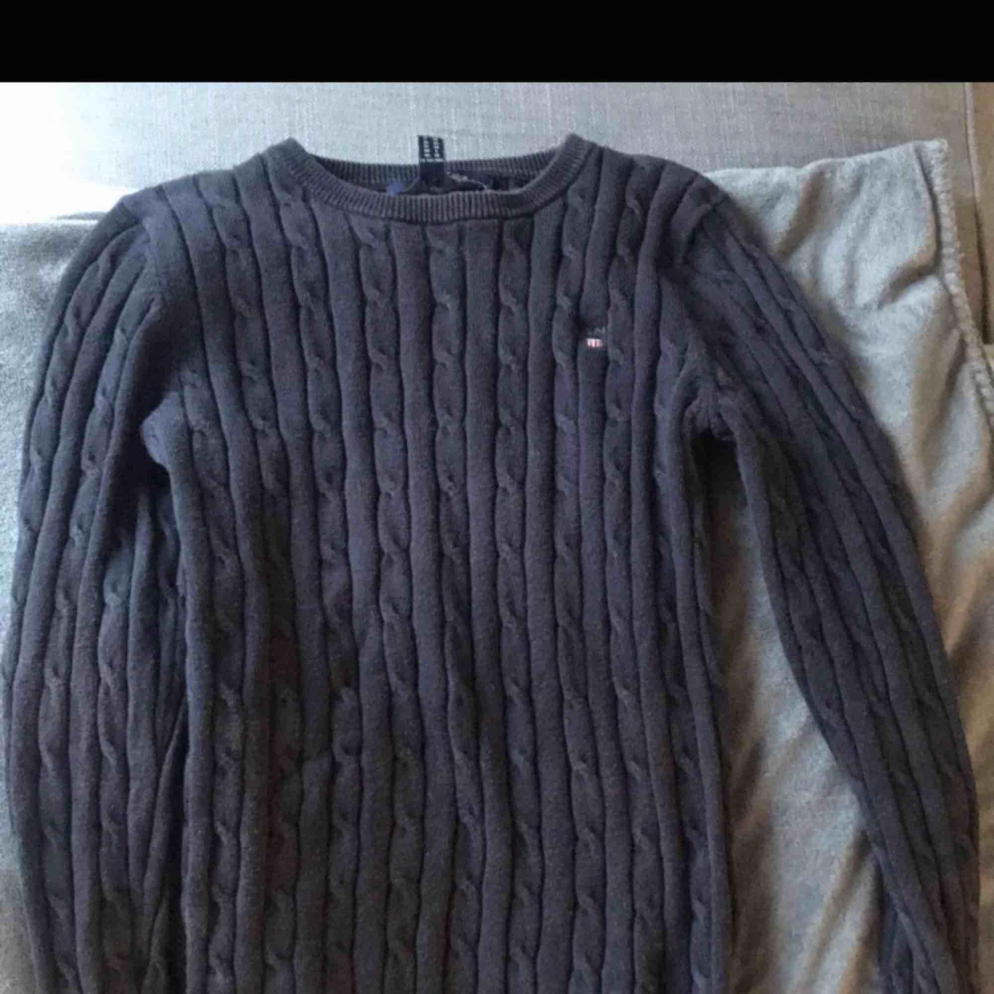 En äkta gant tröja , budning !! 😀 storlek XS. Huvtröjor & Träningströjor.